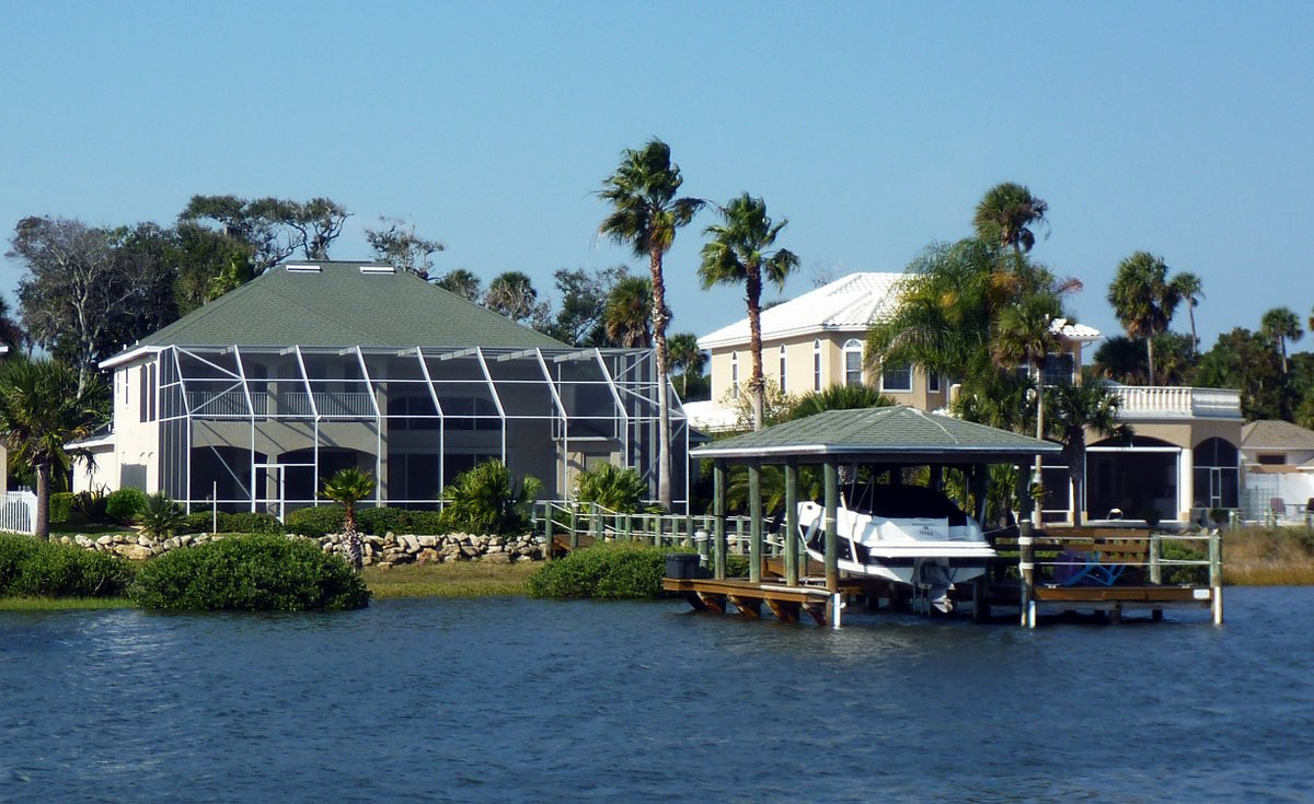 Another house on the side of the ICW, Florida