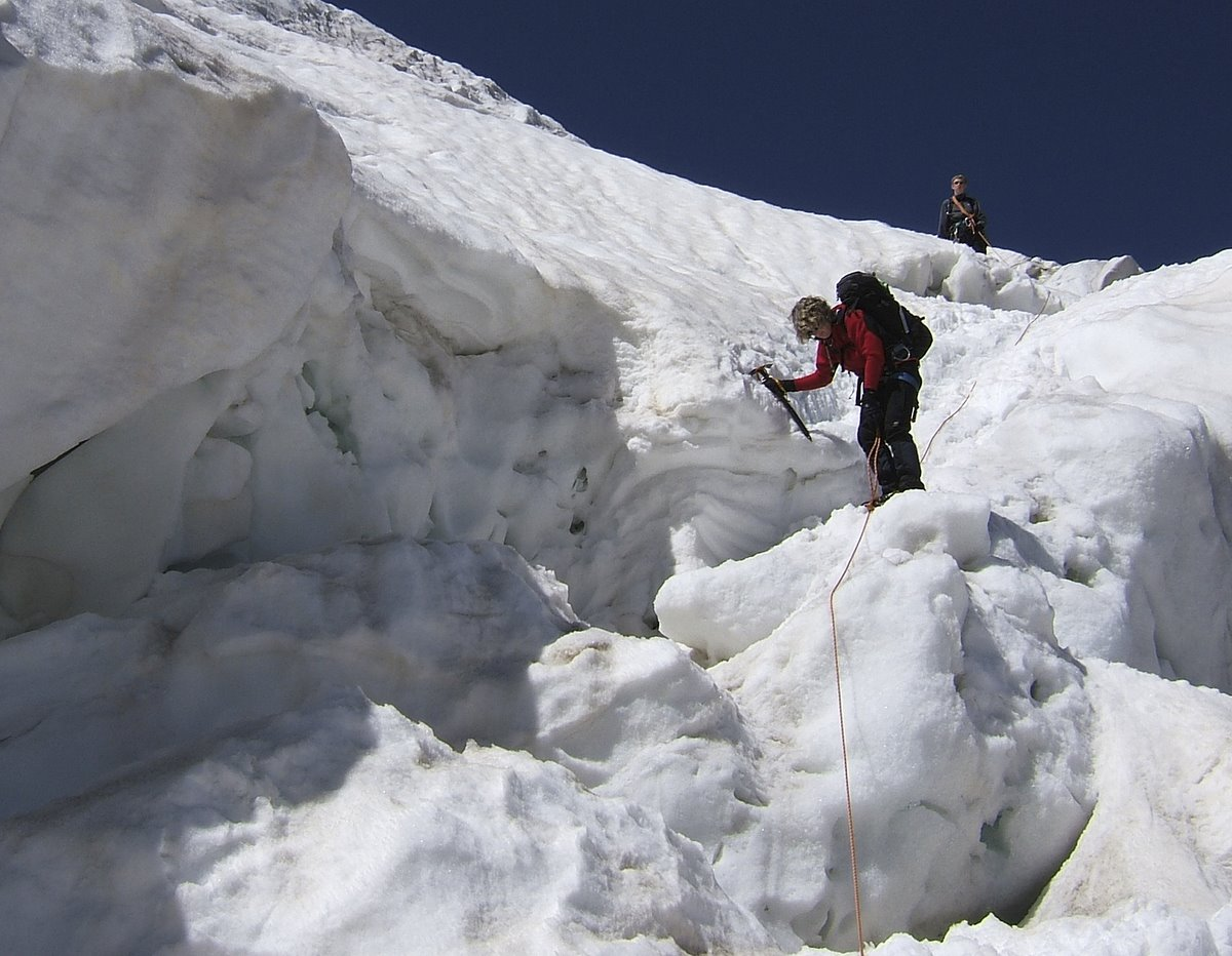 Negotiating the ice falls on the Weissmies